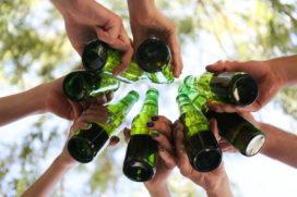 Jongeren onder de 18 blijven drinken
