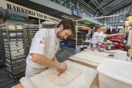 Bakkerij verbindt brood, banket en koffie